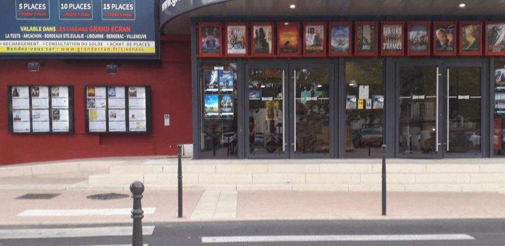 Façade du cinéma Le Cyrano